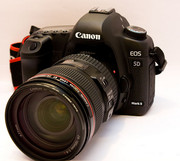 Canon EOS 5D Mark II,  Nikon D700 With 24-120mm VR Lens...Euro 1900